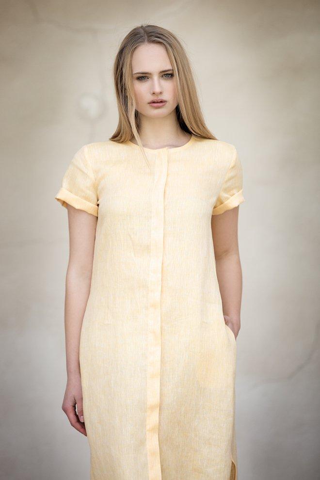 DAYA: ľanové šaty
