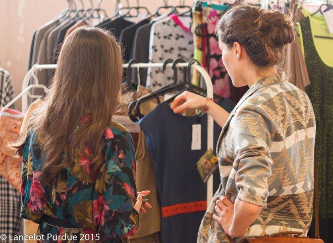 Ako zmerať miery na oblečení pri tajnom nákupe pre niekoho druhého