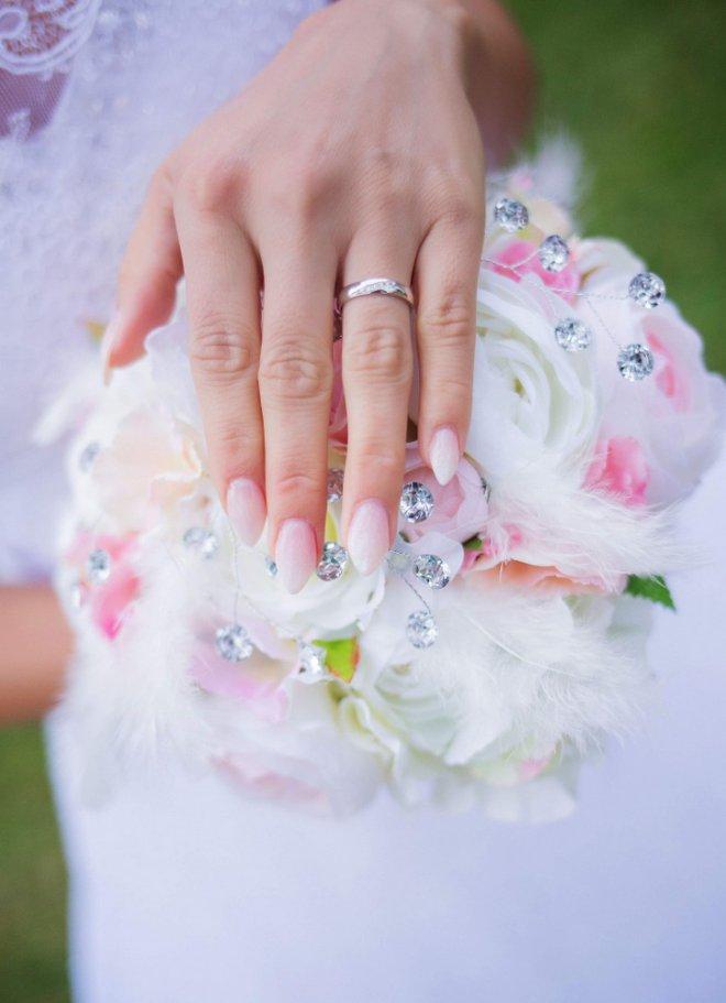 svadobná kytica s kryštálikmi
