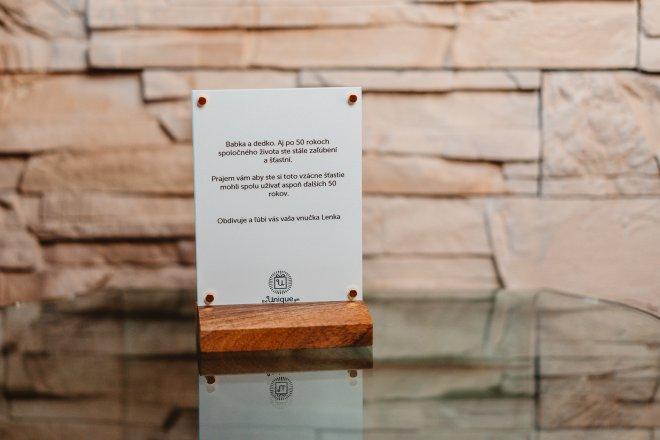 Unikátny foto darček aj s venovaním priamo na skle s dreveným podstavcom a pozlátenými magnetmi na chladničku