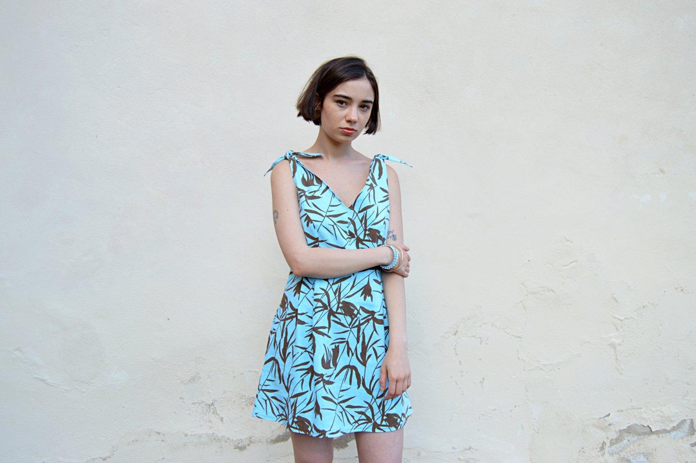 Svetlomodré krátke letné slow fashion šaty