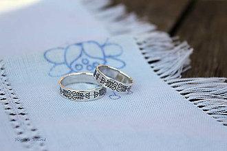 Prstene - obrúčky s folklórnym ornamentom - Bratislava (strieborné) - 6910449_