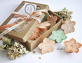 Svietidlá a sviečky - Terracotta - plávajúce sviečky v darčekovom balení - 6944472_