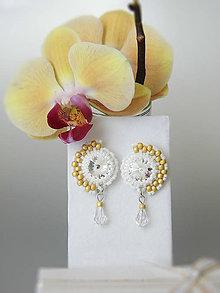 Náušnice - Gold, white and crystal earrings / Zlato-biele náušnice s krištáľom Swarovski - 6946160_