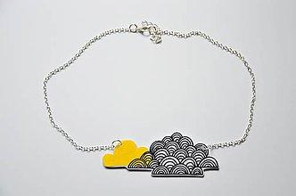 Náhrdelníky - Náhrdelník oblaky žlto-čierne - 6948980_