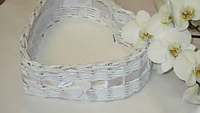 Košík-Srdiečko v bielom