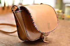 Kabelky - Prírodná kožená kabelka LOVEcká s pásikovaným lemom - 6953016_