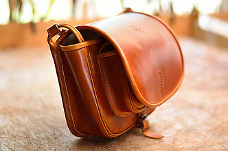 Kabelky - kožená lovecká kabelka s lemom  LIGHT BROWN SEX - 6952994_