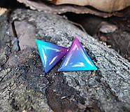 Trojuholníky 20 mm dúhové (modro-zeleno-ružové)