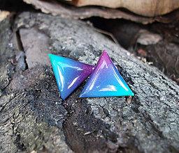 Náušnice - Trojuholníky 20 mm dúhové (modro-zeleno-ružové) - 6951300_