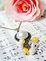 Náhrdelníky - Yellow Topaz & Pearls / Vintage náhrdelník s topásom a riečnymi perlami - 6959888_