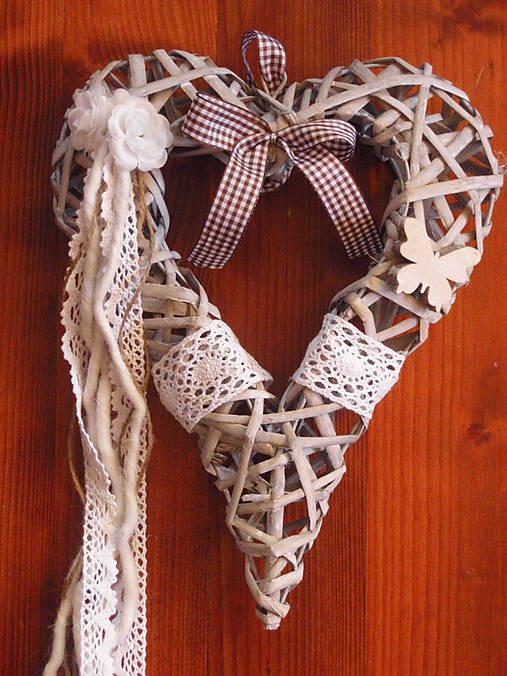0ac5cf245 Vintage srdce s ružičkami a krajkou a motýľom / erikak - SAShE.sk ...