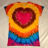 Tričká - Dámské pestrobarevné triko se srdcem, vel. XL - 6958906_
