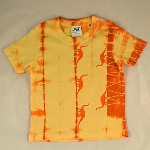 Žluto-oranžové dětské tričko s dinosaury (2 roky)