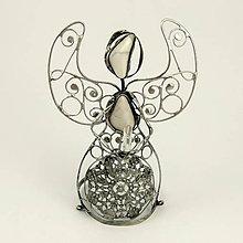 Dekorácie - Anjel figúra - Magnezit, krištáľ 12 cm - 6961790_