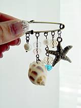 Odznaky/Brošne - Mediterranean Sea Brooch Pin / Zicherka-brošňa s príveskami v stredomorskom štýle - 6962439_