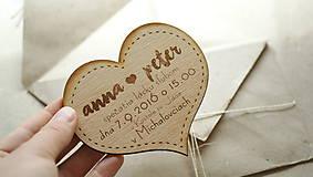 Gravírované drevené svadobné oznámenie Anna
