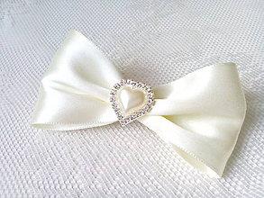 Ozdoby do vlasov - Romantic hair clip with heart (ivory) - 6968237_