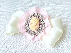 Odznaky/Brošne - Vintage Madame Camea (brooch) - 6968332_