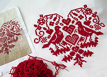 Úžitkový textil - výšivka ľudový motív srdiečko a holúbky - 6968843_