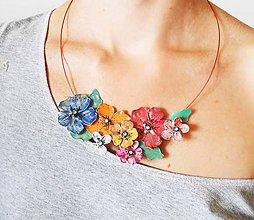 Náhrdelníky - folk flowers - 6972123_