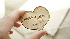 Drevená magnetka pre svadobčanov srdce