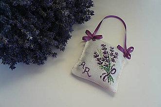 Dekorácie - Voňavý levanduľový vankúšik - 6976993_