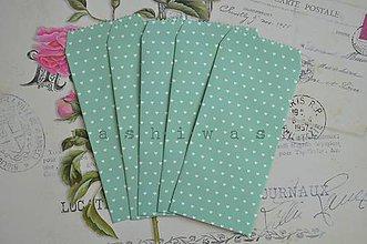 Obalový materiál - papierove vrecko/obalka biele srdce na zelenej - 6983090_