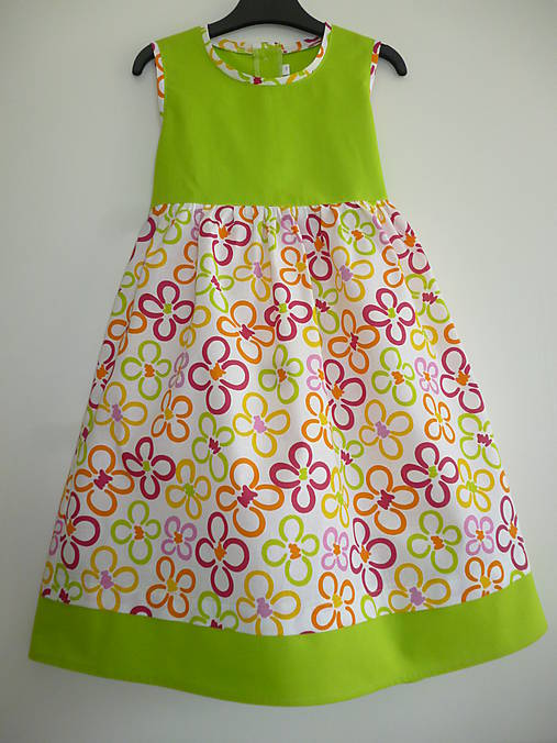 1732aabcc7e1 Veselé bavlnené šaty V - 116   dievcatkovo - SAShE.sk - Handmade ...