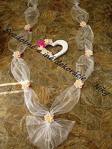Dekorácie - Výzdoba na svadobné auto so srdiečkom - 6993526_