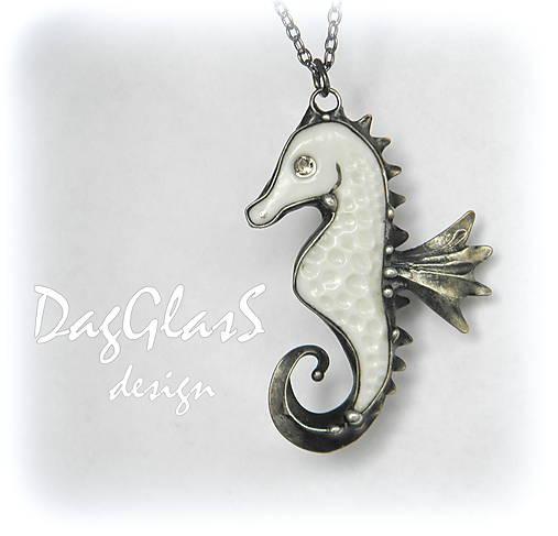 6be894d74c Morský koník z porcelánu   DagGlasS - SAShE.sk - Handmade Náhrdelníky