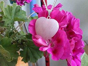 Náhrdelníky - Srdce z ruženínu - 7003572_
