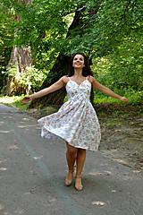 Šaty - Nežné šaty plné drobných kvietkov - 7001028_