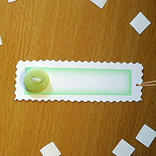 Papiernictvo - Ozdobné menovky na darček  (s gombíkom - svietiacim?) - 7002249_