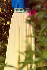 - Žltá vyšívaná sukňa - 7007945_