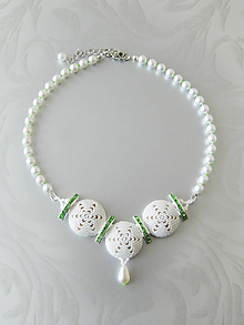 """Náhrdelníky - Šitý náhrdelník """"Symphony in white and green"""" - 7016174_"""