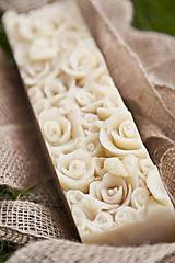 Drogéria - Darčekové mydlo s kvetinovým reliéfom XXL - 7022068_