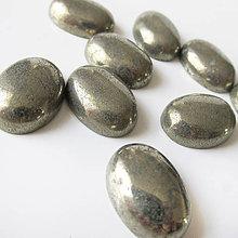 Minerály - Pyrit / kabošon 13x18mm - 7028598_