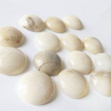 Minerály - Jadeit slonová kosť / kabošon 15mm - 7028666_