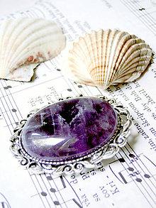 Odznaky/Brošne - Amethyst / Brošňa s ametystom v starostriebornom prevedení - 7030576_