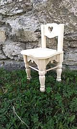 Dekorácie - veľký záhradný drevený domček, zariadený s terasou - 7030243_