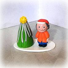 Socha - Strieborný vianočný stromček +  (chlapec) - 7030045_