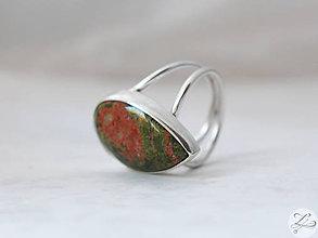 Prstene - ZĽAVA-Strieborný slzičkový prsteň s unakitom - UnAkiT - 7034788_
