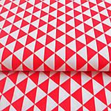 Textil - červené trojuholníky, 100 % bavlna, šírka 160 cm, cena za 0,5 m - 7035048_