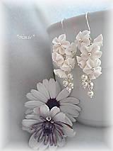 - Kvetinkovo korálkové náušničky (biele kratšie) - 7035596_