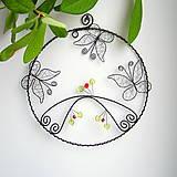 Tabuľky - veľký kruh s motýlikmi - 7039466_