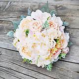 Svadobná kytica marhuľovo-ružová