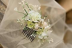 Ozdoby do vlasov - Hrebienok do vlasov bielo-kremový vetší - 7041432_
