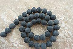 - Čierny kameň ''Bian