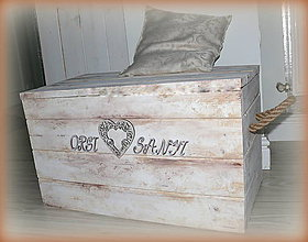 Nábytok - Srdiečková truhla pre párik :) - 7044280_